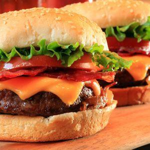 beer-and-pretzel-hamburger_article_square